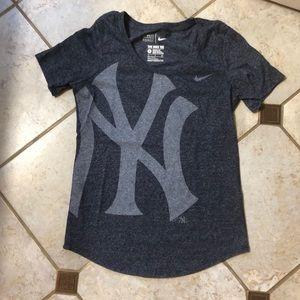 Nike athletic cut Yankees shirt